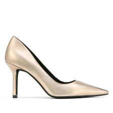Quendra Tuscan Gold Leather Pointed Toe Pump.