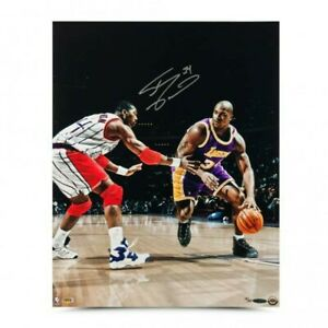 "Shaquille O'Neal Lakers Signed 16x20 Upperdeck ""Power Move""  COA"