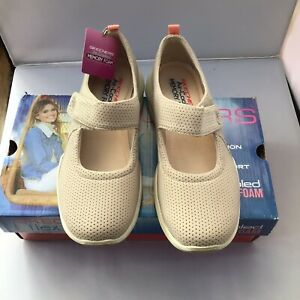 WOMENS SKECHERS  FLEX SKECH CHIC INTUITION TAUPE MARY JANE STYLE SHOE  BNWB UK 5