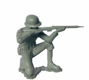 "Louis Marx Toy soldier Germany gray figure 6"" WW2 infantry German WWII kneel gun"