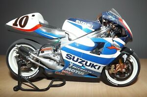 1/12 Tamiya Suzuki RGV500 Built Model Kit (14081) - Kenny Roberts