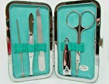 Наборы инструментов для маникюра и педикюра