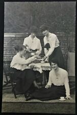 VINTAGE 1918 PHOTO 4 WOMEN HAVING TEA LADIES FASHION  - TROON, SCOTLAND (-07)
