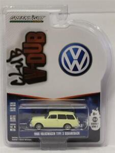 GREENLIGHT 1:64 Club V-Dub Series 7/D 1966 Volkswagen Type 3 Squareback (Cream)