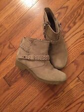 TEVA Tan Suede Side Zip Buckle Ankle Fashion Boots Bootie Size 5