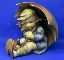 "'LOOK"" VINTAGE  UMBRELLA GIRL 152/ B O HUMMEL Figurine Goebel, W. Germany  K"