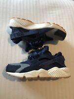 Nike Air Huarache Run SE Binary Blue Denim Womens Size 6 Shoes 859429-401 $120