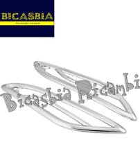 11065 - GRIGLIE FRECCE POSTERIORI PLASTICA CROMATA VESPA 50 125 150 PRIMAVERA