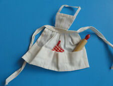 "VINTAGE 1960'S BARBIE FASHION PAK ""WHAT'S COOKING?"" OR #962 WHITE APRON"