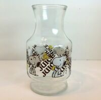 VINTAGE 1965 SNOOPY AND WOODSTOCK GLASS JUICE PITCHER