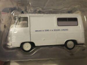 """Peugeot J7 """"Ambulance"""" 1/43 Norev dans son emballage"""