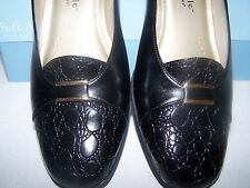 SOFT STYLE BY HUSH PUPPIES - BLACK WOMENS DRESS SHOES  (NEVER WORN/BRAND NEW)