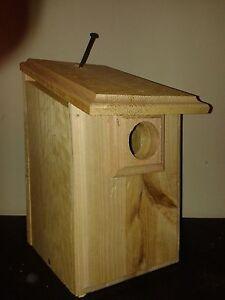 1 CEDAR Blue Bird House Easy to Open and Clean