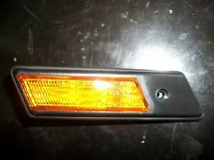 BMW E36 9/91 - 8/96 LH OR RH GUARD REPEATER LAMP AMBER