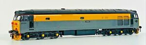 HORNBY 00 GAUGE - CLASS 50 DIESEL 50015 DUTCH 'VALIANT' YELLOW GREY - UNBOXED