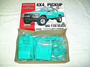 Lindberg Model Kit ,1:20 Scale Toyota 4x4 Pickup Truck  1:20 Scale OPENED