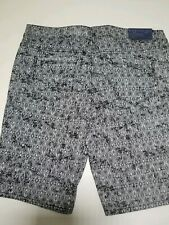 Womans Bermuda Stretch Shorts Size 12 Black Print