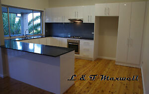 Complete KITCHEN with polyurethane high gloss door and caesar stone bench top