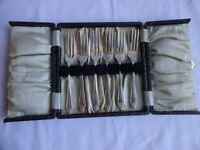 ART DECO SILVER PLATED EPNS CAKE/PASTRY FORKS X 6 CASED LENGTH 13 cm