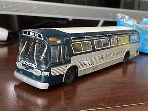 Corgi Classics Diecast Greyhound Lines Bus Fishbowl 54402 GM5303 1:50 Palo Alto