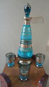 LOT 43 VINTAGE BLUE & GOLD GLASS  SHERRY? BOTTLE DECANTER & 3 GLASSES