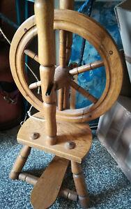 Spinnrad mit Rocken, gebraucht