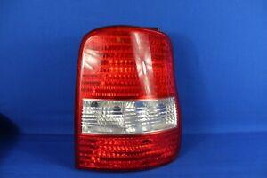 2004 Kia Sedona Right Side Tail Light