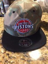 Mitchell & Ness hat straight bill Cap Detroit Pistons camo S/M D