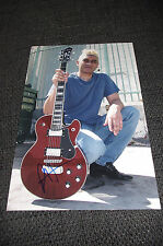 FOO FIGHTERS Pat Smear signed Autogramm auf 20x30 cm Foto InPerson NIRVANA
