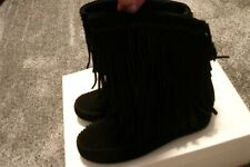 Minnetonka Black Ann Angled Fringe Boot Womens Size 6 M NEW