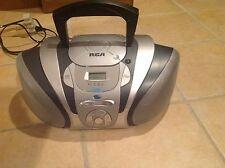 RCA  RCD-122 Digital Single CD Player/Radio Tuner Boombox