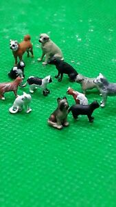 Resin  ho/00 figures/people Handpainted assorted cats and dogs x 12