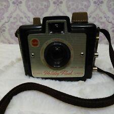 Vintage Kodak Brownie Holiday Flash Camera Dakon Lens Brown Bakelite Canada