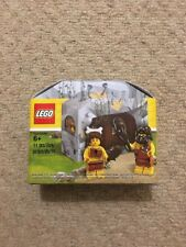 LEGO 5004936 GENUINE ICONIC CAVE SET WITH CAVEMAN AND CAVEWOMAN MINIFIGURES NEW