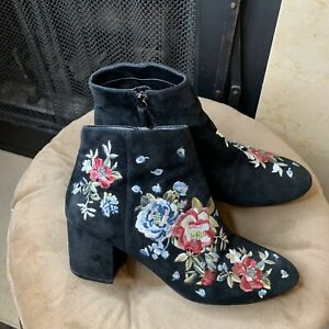 White House Black Market Titus Sz 9M Embroidered Black Suede Ankle Boots