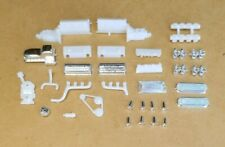 AMT 1/25 1953 FORD F-100 PICKUP CUSTOM ENGINE AND RELATED PARTS