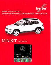 HERPA MiniKit 1:87/H0 PKW VW TIGUAN mit Warnbalken blau, weiß Bausatz #013109