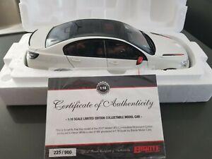Diecast 1:18 Holden VF Series ll Commodore Motorsport Edition