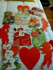 Valentine's Day Paper Decorations - Vintage - 12 decorations