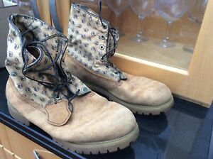 Mens Tan Suede Timberland fold over Boots with zip back size 9.5 UK