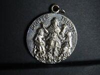 medaille religieuse Sainte Trinite Christ de Majeste 3.3 cm  MR 0137