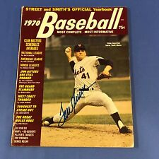 TOM SEAVER HAND SIGNED 1970 STREET and SMITH'S Yearbook No Label