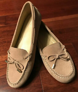 NWOB Michael Kors Daisy Moccasin Suede Beige Loafer sz 8.5M