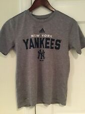 Adidas New York Yankess Boys Youth M 10/12 T-shirt EUC