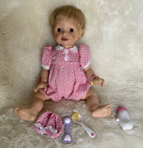 Playmates 2000 Amazing Babies Blond Interactive Doll & Accessories Working
