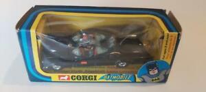 Corgi Batmobile 267 Gloss black 1976 blue screen excellent condition