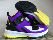 """NIKE LEBRON SOLDIER XIII FLYEASE 4E VOLTAGE PURPLE """"LAKERS"""" SZ 13 [BV0662-500]"""