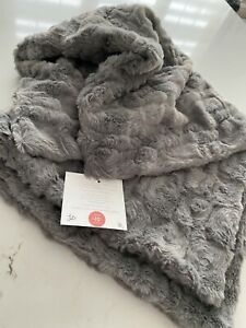 "NWT Sew Sweet Minky Light Gray Grey Alloy Luna Euro Pillow Sham 26""x 26"" 🐰Soft!"