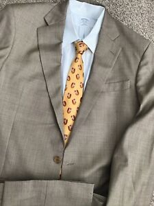 A Stand Out! Brooks Brothers Suit: 42XL, TAN, RECENT!  Fashinable, Flat F. Mint