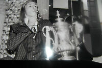WEST HAM ALAN TAYLOR FA CUP WIN BLOWING BUBBLE SIGNED 12X8 PHOTO
